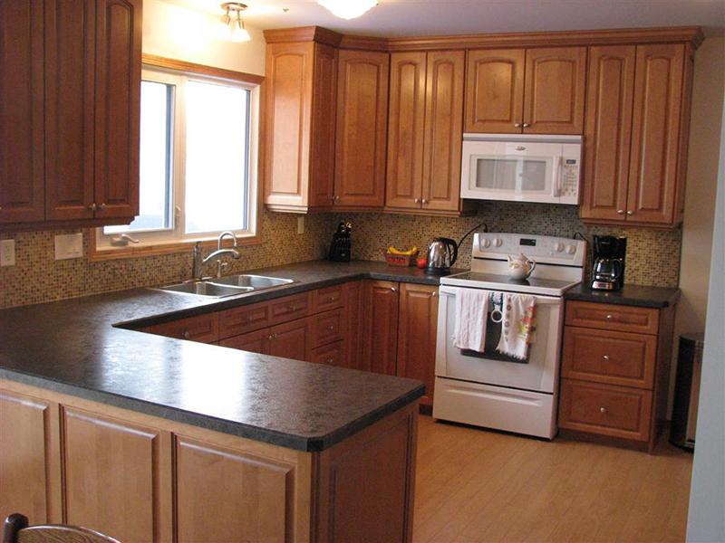 Hình ảnh thực tế thi công tủ bếp gỗ xoan đào gỗ xoan đào.