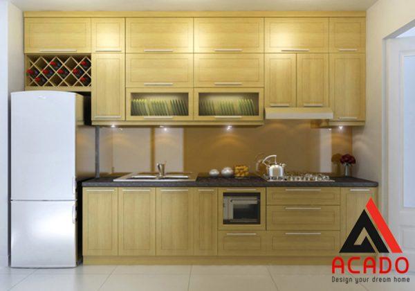 Tủ bếp gỗ sồi Nga sáng màu để lộ vân gỗ tự nhiên