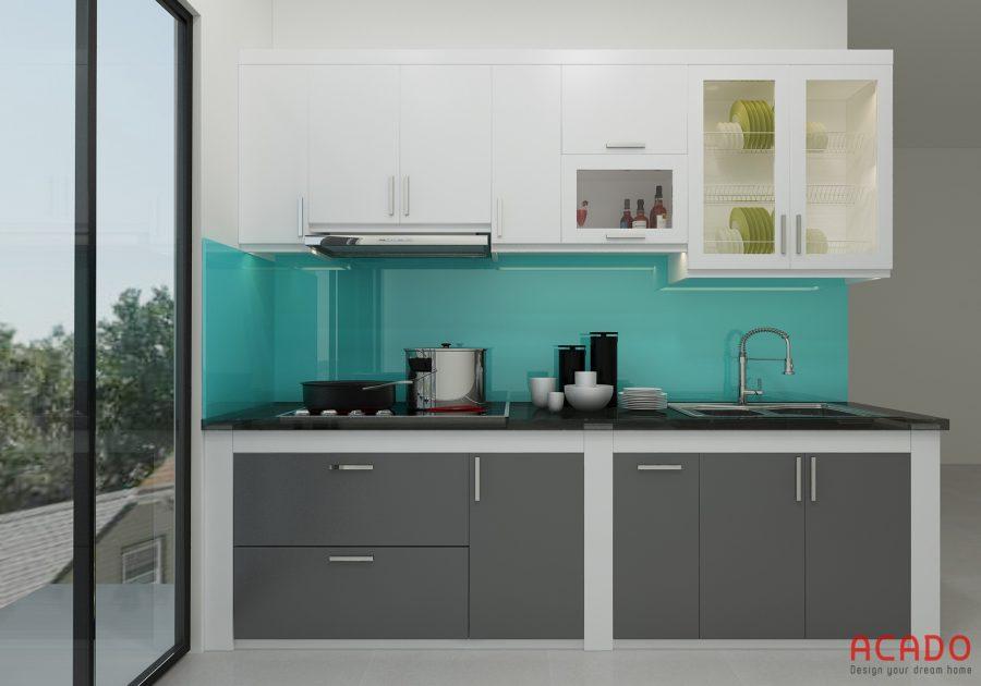 Mẫu tủ bếp Acrylic kết hợp 2 màu ghi và trắng sứ.