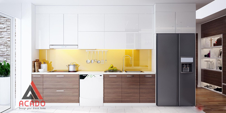 Tủ bếp MDF kết hợp với gỗ Melamine vân gỗ mang đến điểm nhấn.