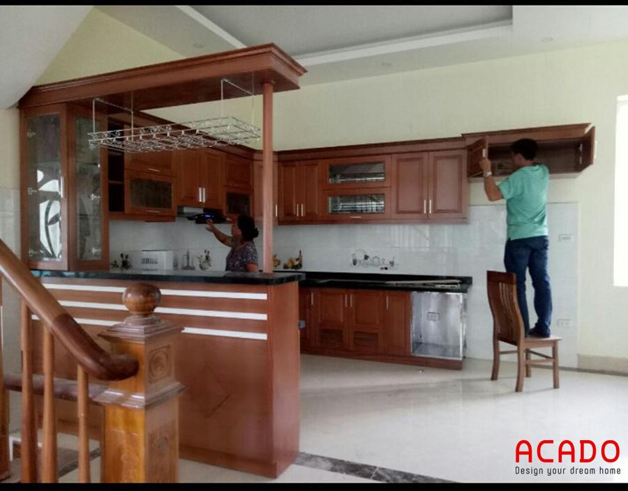 tủ bếp gỗ xoan đào đẹp sang trọng