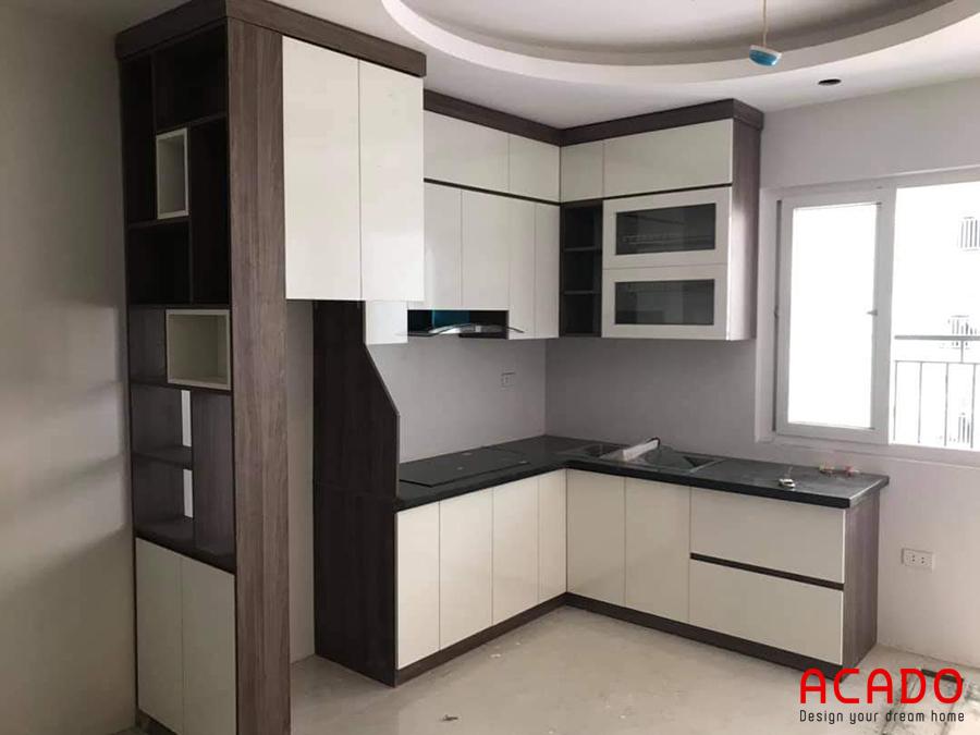 Mẫu tủ bếp với thiết kế độc đáo.