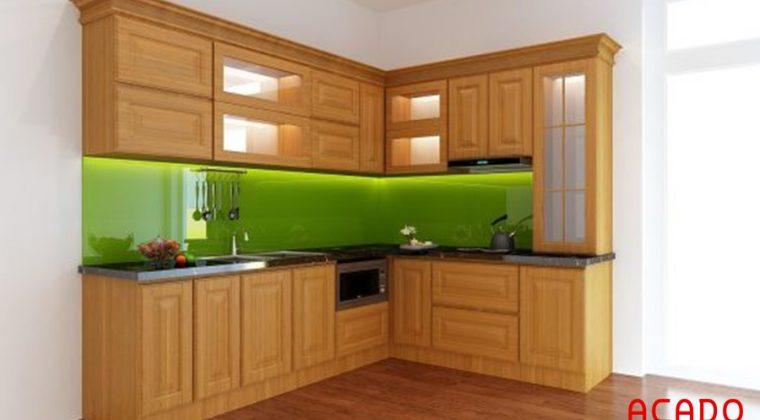 Nếu bạn có một không gian bếp vừa phải, tận dụng không gian góc thì mẫu tủ bếp chữ L