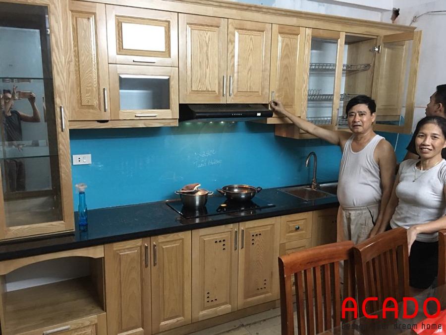Tủ bếp gỗ sồi Nga tự nhiên kiểu dáng chữ i đơn giản mà sang trọng