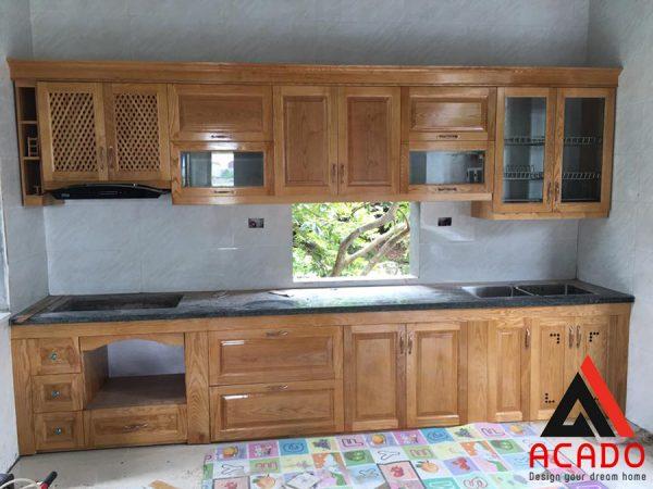 Tủ bếp gỗ sồi Nga chữ I nhỏ gọn - ACADO thi công tủ bếp giá rẻ, chất lượng