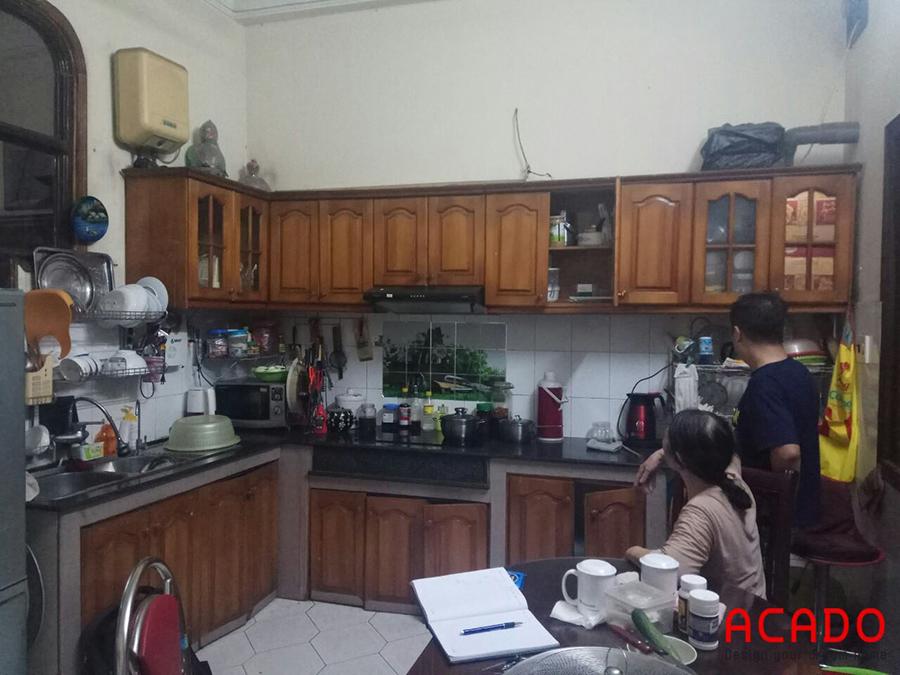 Hiện trạng căn bếp của gia đình khá là rộng rãi nhưng đã cũ hỏng và không sử có nhiều diện tích để đồ