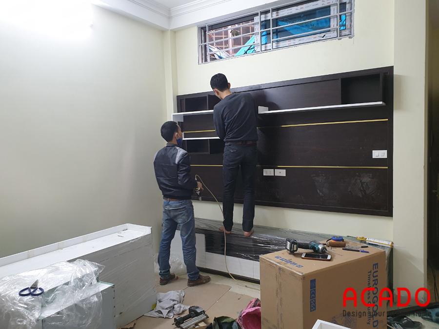 Đội thợ của Acado thi công lắp đặt nội thất tại Kim Mã