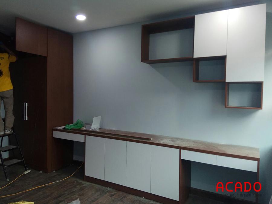 Hệ tủ liên hoàn gồm kệ tivi,tủ trang trí và bàn làm việc khi hoàn thiện