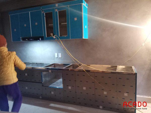 Tủ bếp làm bằng inox bền đẹp theo thời gian - công trình ACADO thi công tại Đồng Mai, Hà Đông