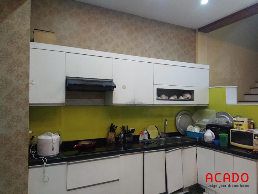 Hiện trạng của căn bếp bị sập sệ khi Acado đến khảo sát