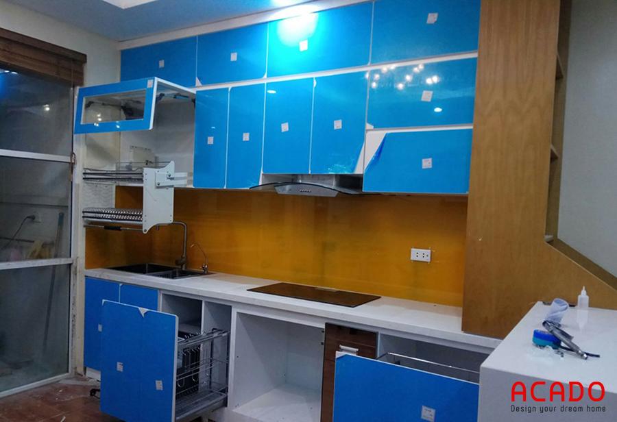 Công trình tủ bếp Acrylic tại Mộ Lao sử dụng giá bát nâng hạ Eurogold