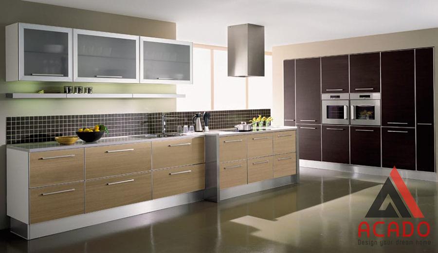 Mẫu tủ bếp Laminate có bề mặt nhẵn bóng dễ dàng vệ sinh lau chùi