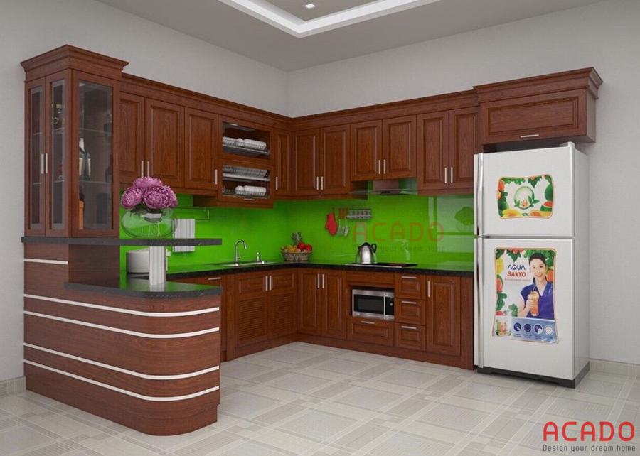 Mẫu tủ bếp gỗ xoan đào hình chữ U có quầy bar phù hợp với không gian bếp rộng rãi