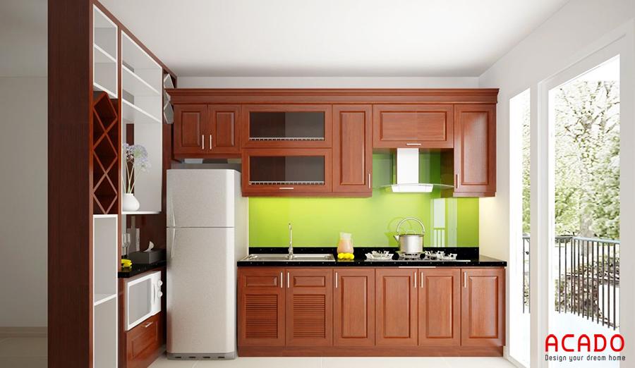Mẫu tủ bếp hình chữ i gỗ xoan đào kết hợp với vách ngăn trang trí