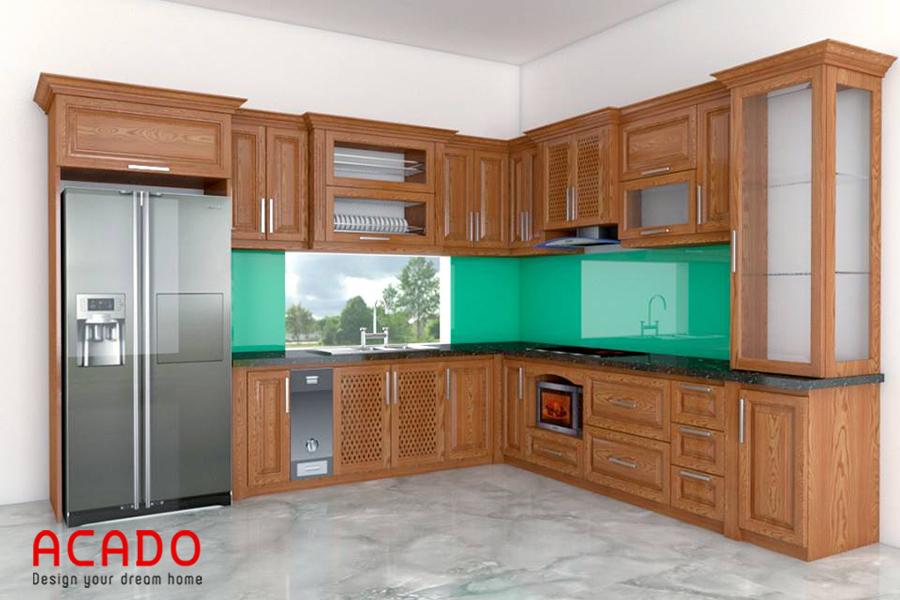 Mẫu tủ bếp gỗ sồi hình chữ L với điểm nhấn là thùng gạo thông minh