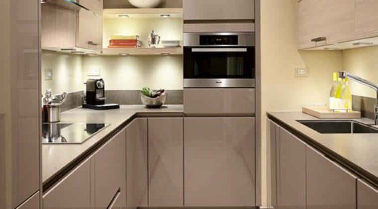 Mẫu tủ bếp Acrylic dáng đồi xứng phù hợp các chung cư có diện tích bếp nhỏ