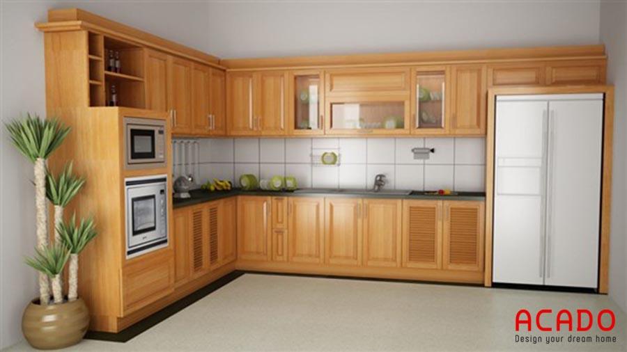Mẫu tủ bếp gỗ sòi Mỹ hình chữ L sang trọng, ấm cúng