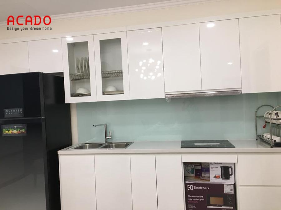 Tủ bếp hình chữ i màu trắng tinh khôi