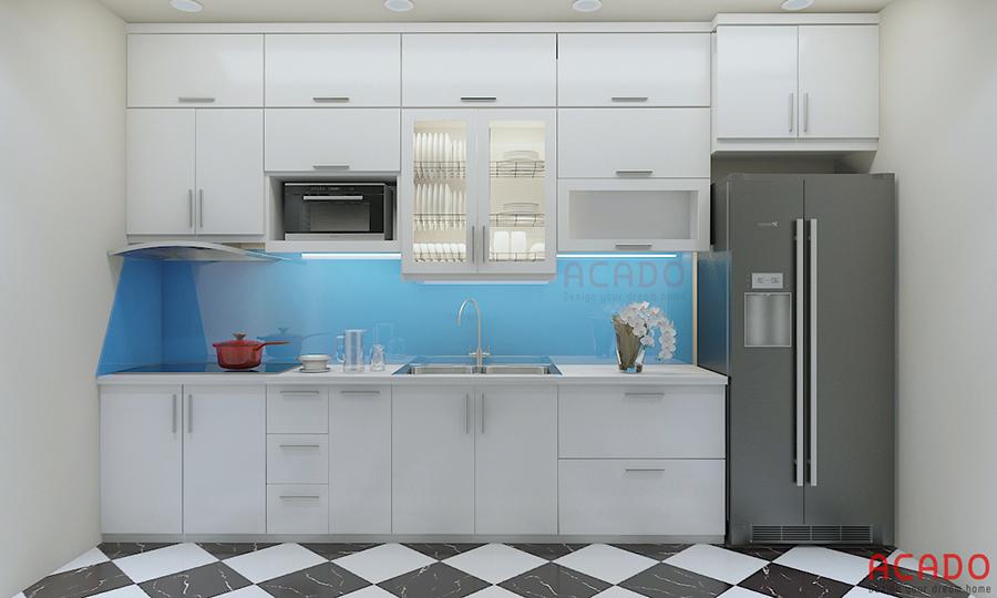 Tủ bếp hình chữ i làm từ vật liệu picomat màu trắng tinh khôi đem lại cho căn bếp sự trẻ trung và hiện đại
