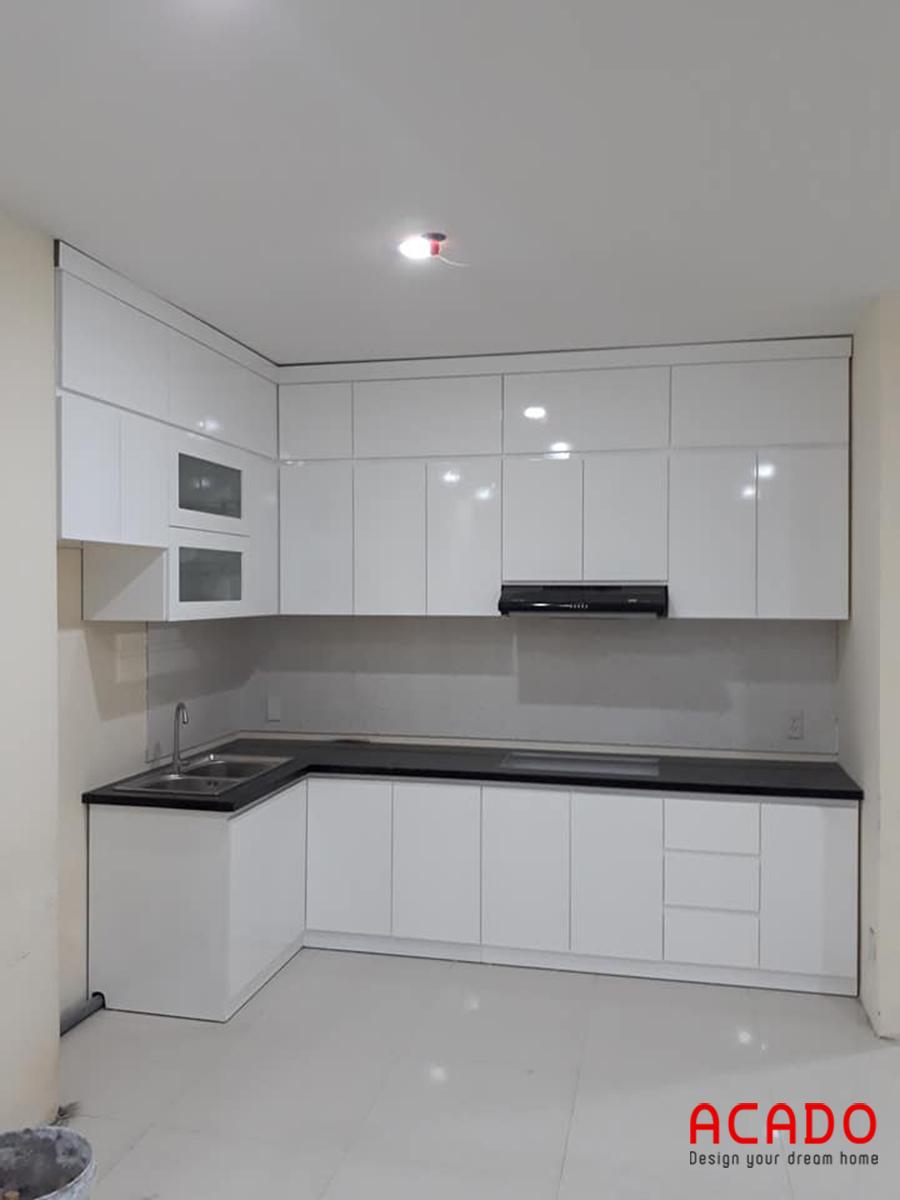 Mẫu tủ bếp Melamine màu trắng tinh khôi chưa bao giờ là lỗi mốt