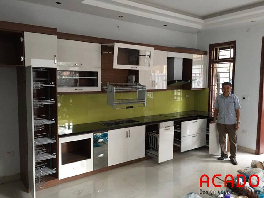 Tủ bếp Acrylic khi hoàn thiện bàn giao cho gia chủ tại Hưng Yên