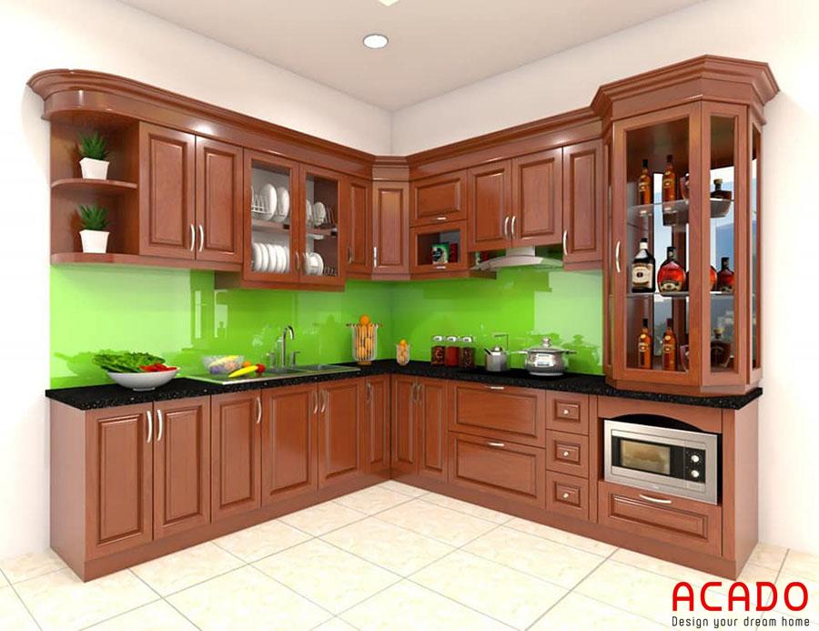 Mẫu tủ bếp gỗ xoan đào hình chữ L màu cánh dán mang đến không gian bếp sang trọng và lịch lãm