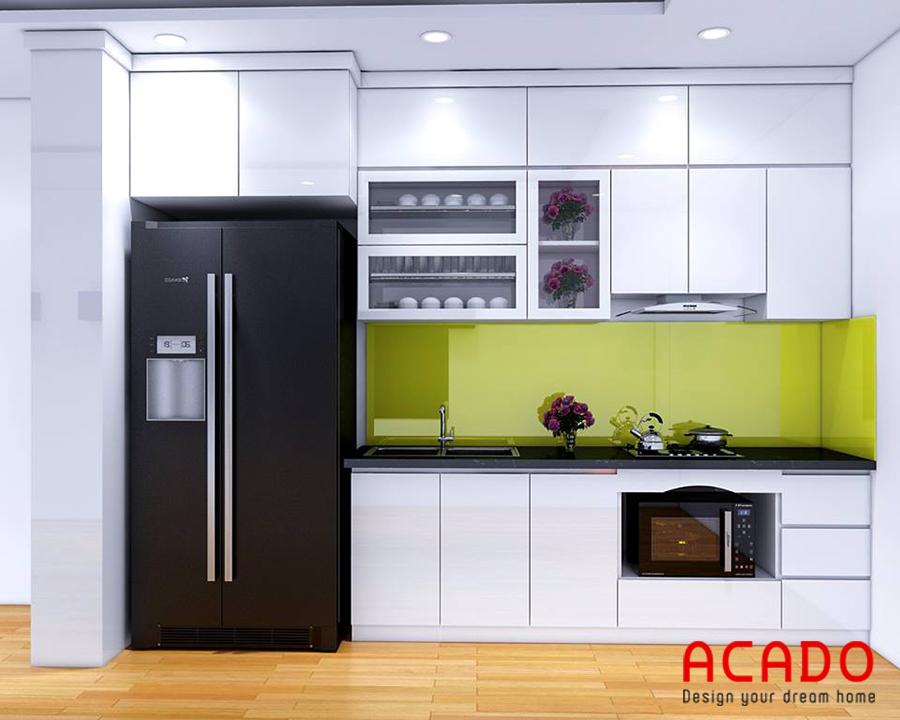 Mẫu tủ bếp Acrylic màu trắng bóng gương đóng kịch trần tối ưu diện tích sử dụng
