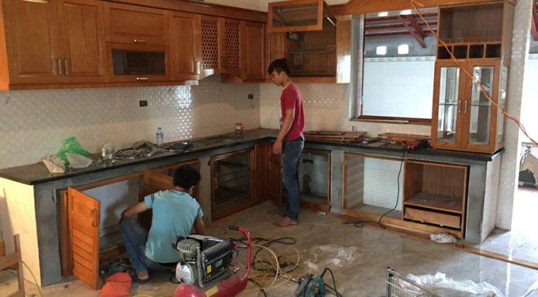 Đội thợ thi công tủ bếp chuyên nghiệp tận tình