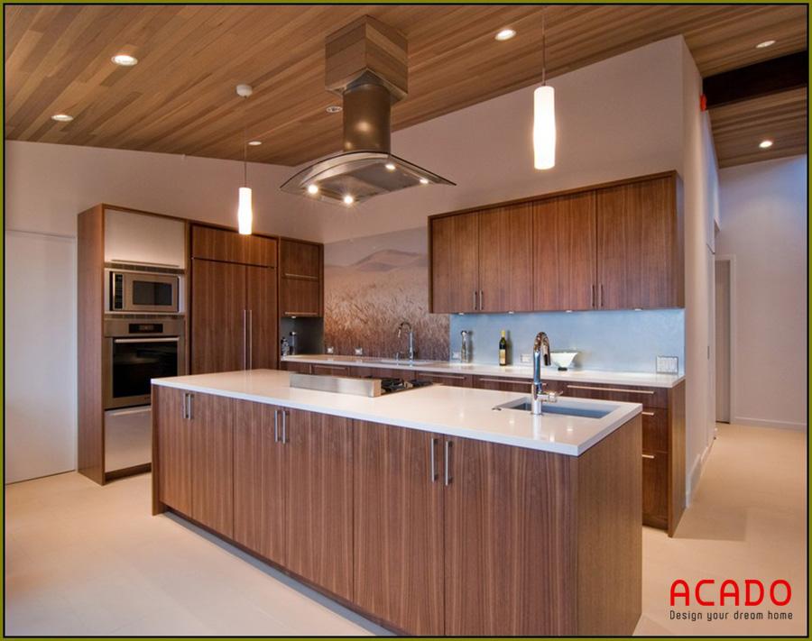 Tủ bếp Laminate kết hợp bàn đảo màu vân gỗ tôn nên vẻ đẹp của căn bếp