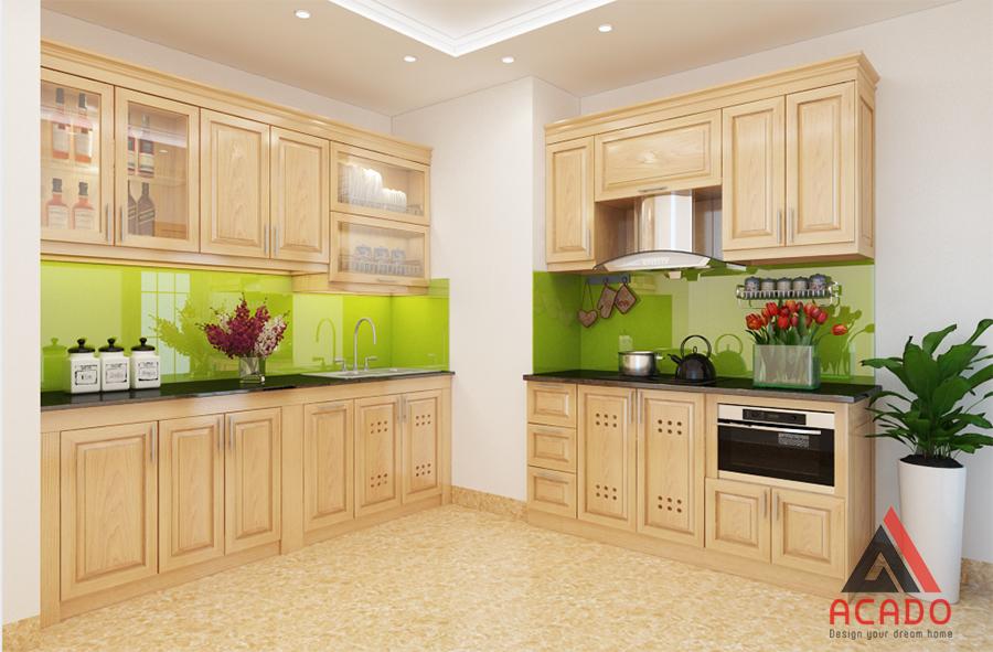 Mẫu tủ bếp được thiết kế tận dụng không gian góc của phòng với chất liệu gỗ sồi Nga