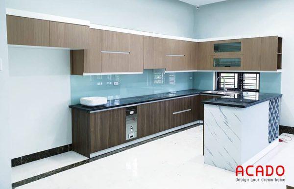Tủ bếp Picomat cánh Acrylic sáng bóng , hiện đại