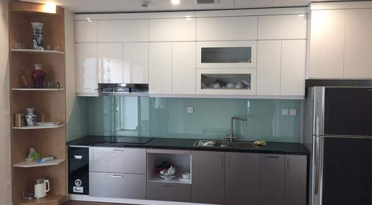 Tủ bếp sát trần sự lựa chon thông minh cho gian bếp nhỏ hẹp