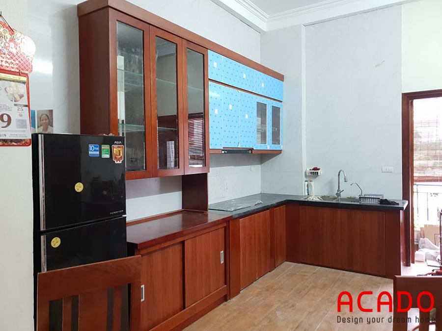 Bộ tủ bếp đã hoàn thành, gọn gàng, đơn giản, đẹp mắt.