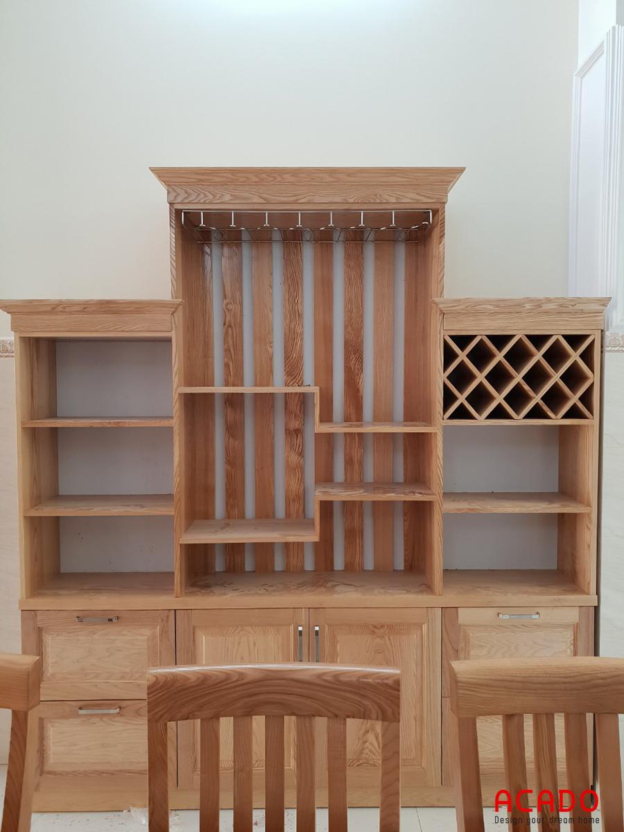 Tủ rượu thiết kế sang trọng và tiện nghi.