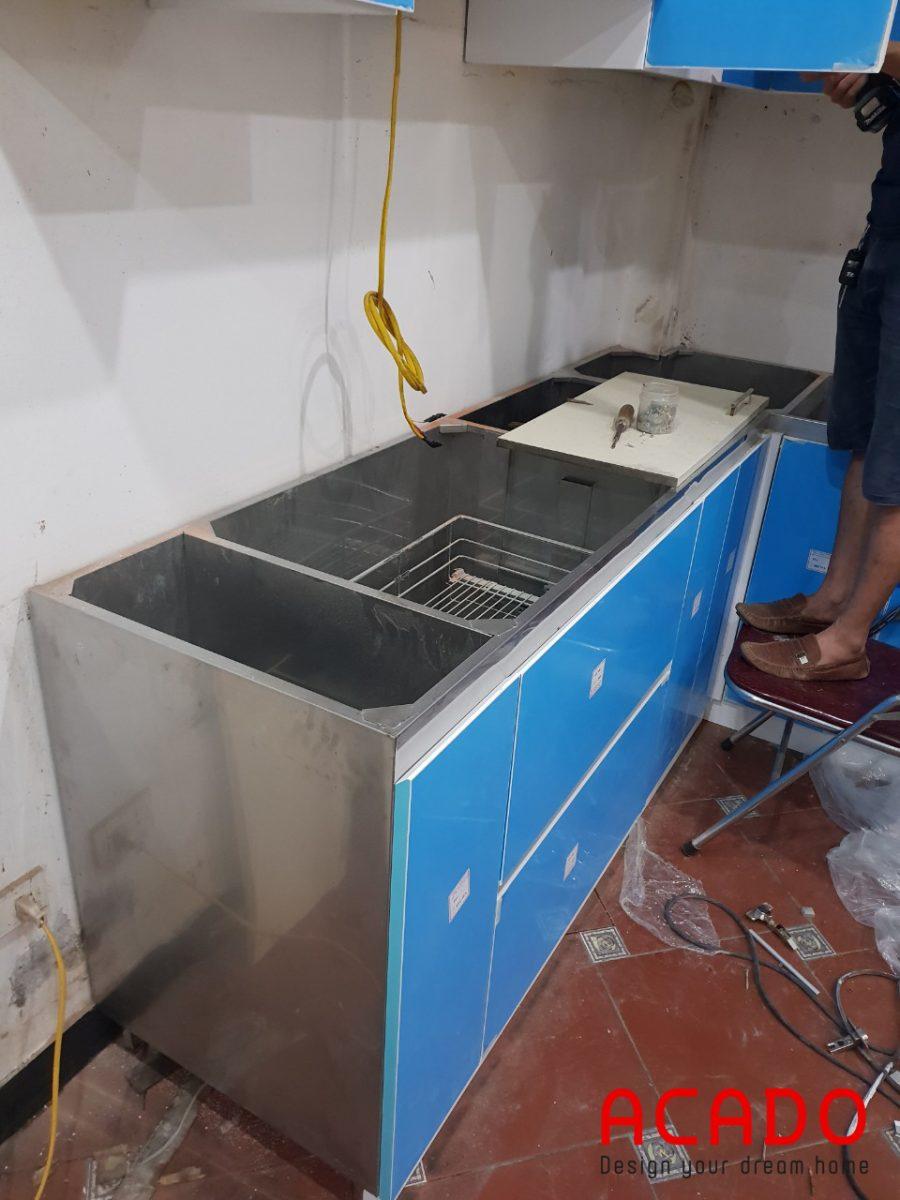 Khung và thùng được làm hoàn toàn bằng Inox độ bền cao.