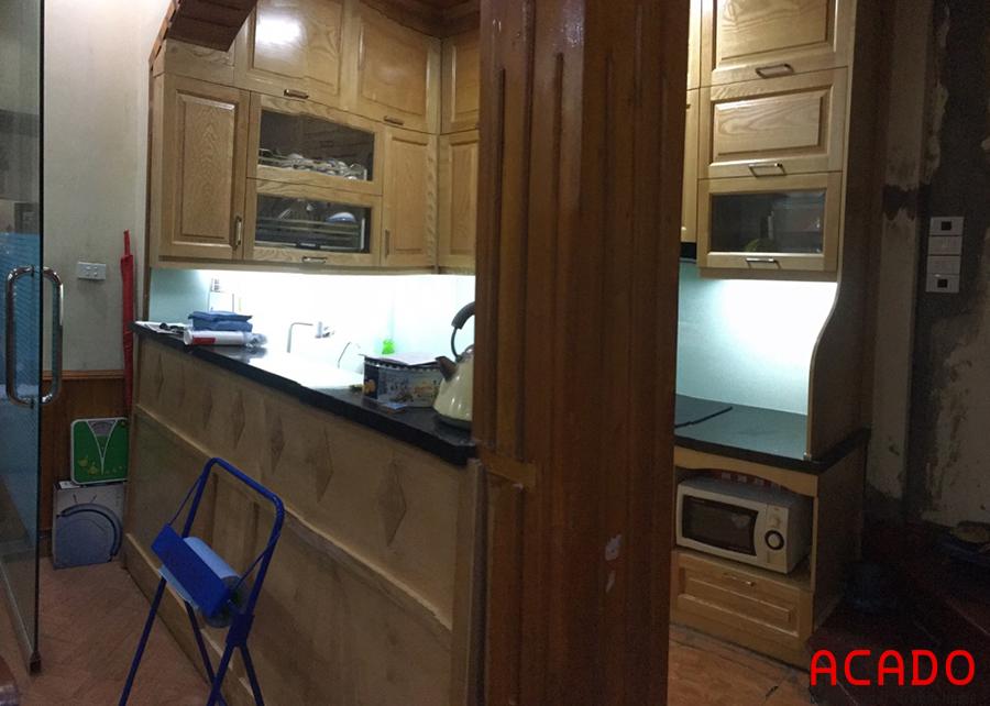Một góc nhìn khác của căn bếp sau khi thi công tủ bếp tại Ba Đình.