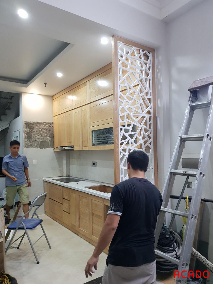 Tủ bếp được thiết kế theo dạng chữ I vừa hiện đại vừa tiết kiệm không gian.