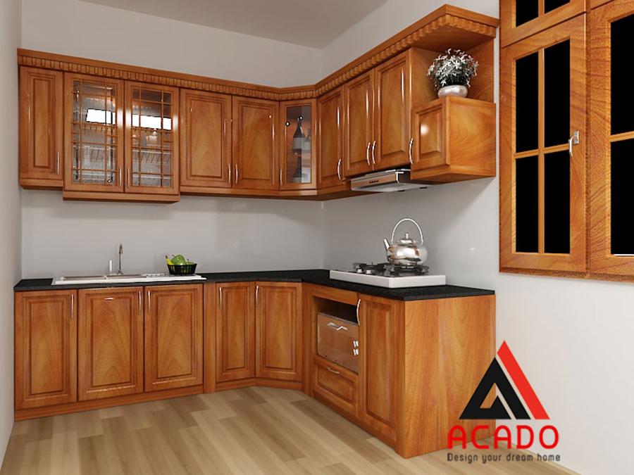 Tủ bếp gỗ tự nhiên mang vẻ đẹp cổ điển.