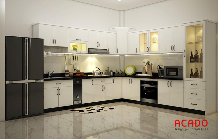 Tủ bếp màu trắng điểm đen đầy đủ tiện nghi.
