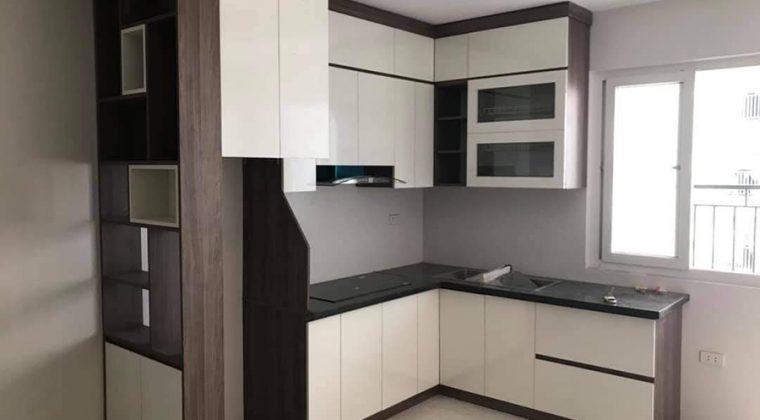 Tủ bếp Laminate sang trọng với thiết kế sát trần - nội thất ACADO