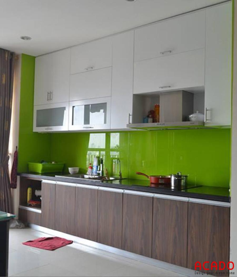 Mẫu tủ bếp Picomat với thiết kế kịch trần.