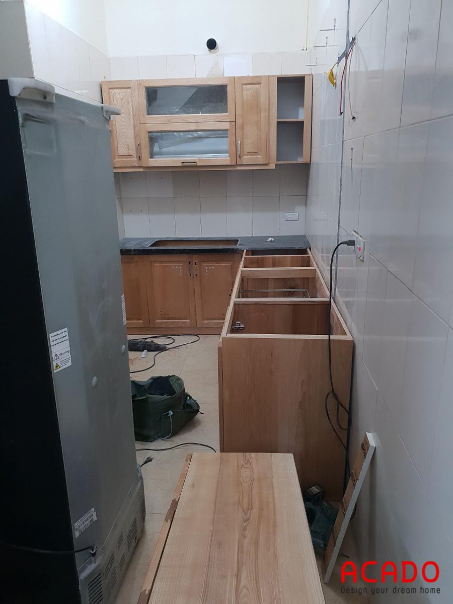 Tủ bếp được thiết kế thông minh, tận dụng tối đa không gian.