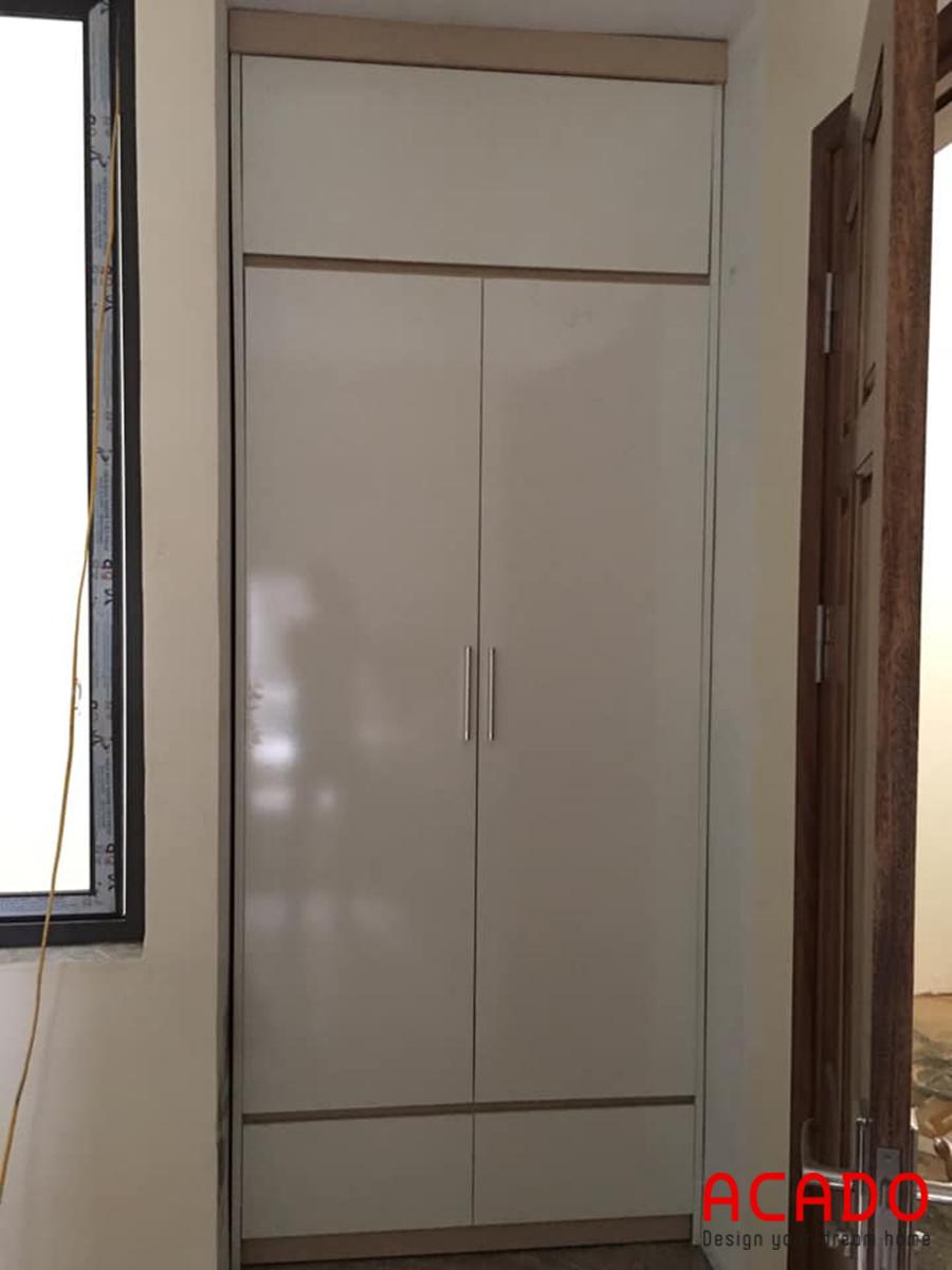 Tủ quần áo âm tường nhỏ với 2 cánh, 1 ngăn.