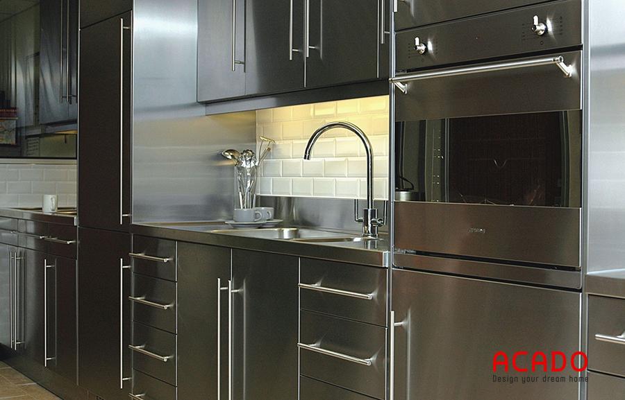 Làm tủ bếp chất liệu inox bạn hoàn toàn không phải lo lắng về chất lượng.