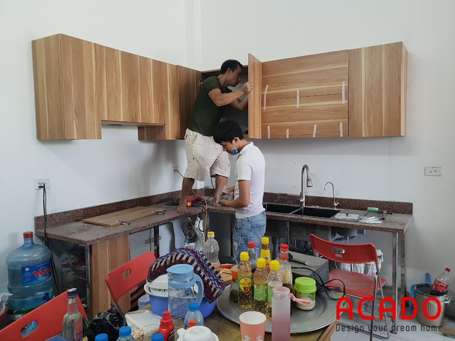 Thi công tủ bếp tại Vạn Phúc dần đi vào công đoạn hoàn thành.