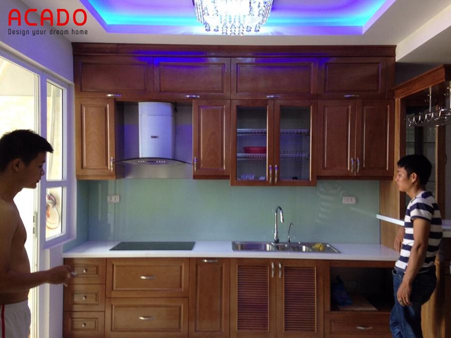 Tủ bếp gỗ xoan đào với thiết kế kịch trần - tủ bếp tại Hà Cầu, Hà Đông