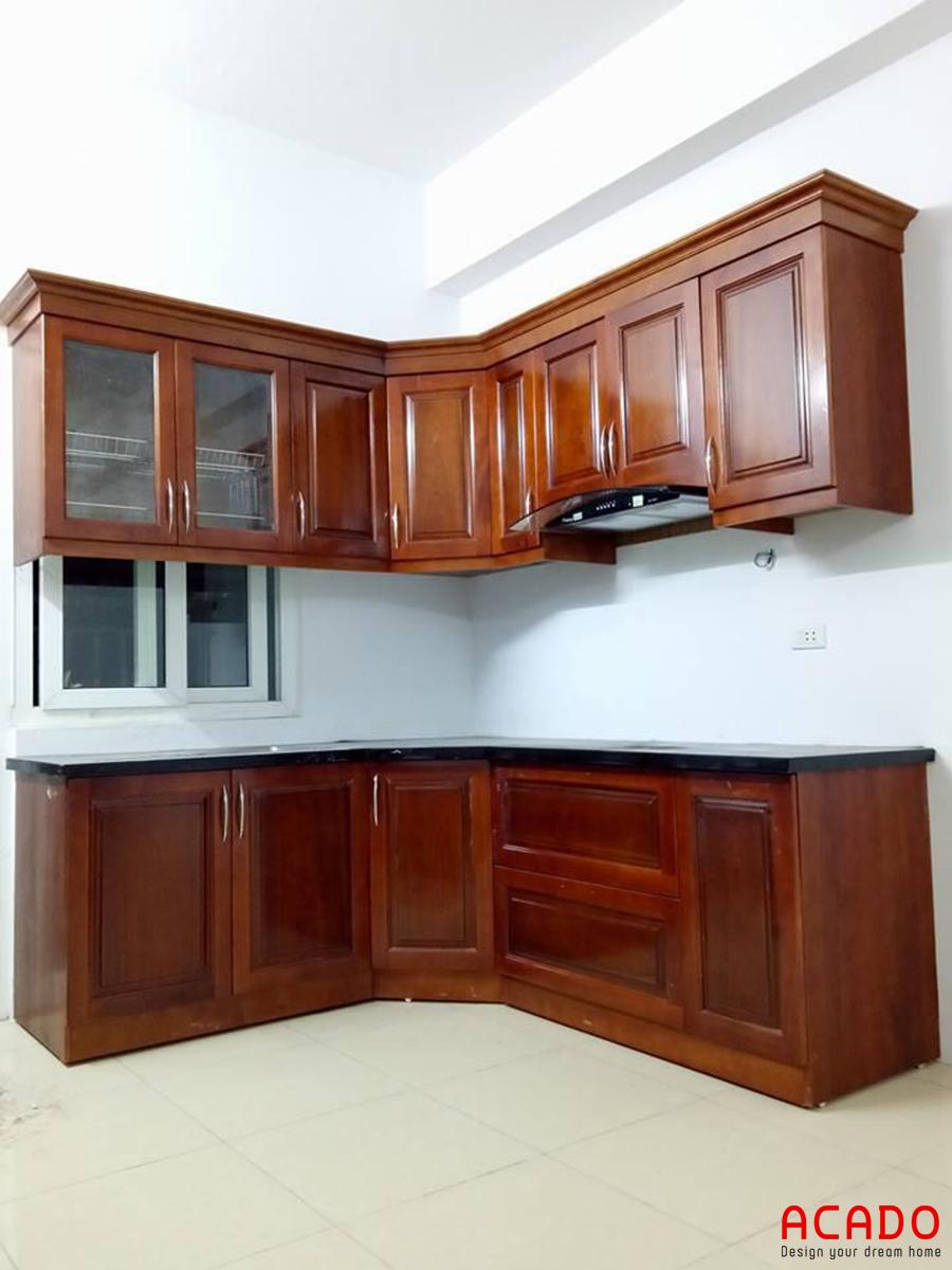 Mẫu tủ bếp gỗ xoan đào phun màu cánh dán.