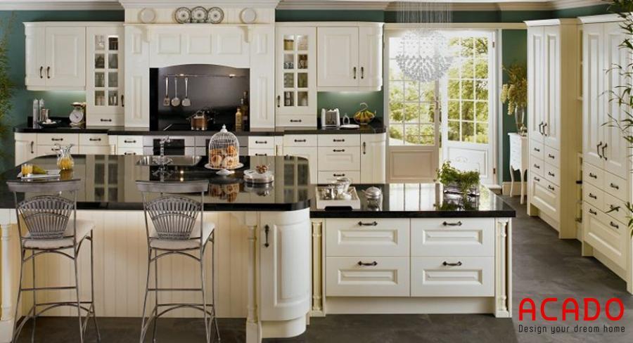 Mẫu tủ bếp làm từ chất liệu gỗ tự nhiên phun màu trắng tinh tế, trẻ trung.