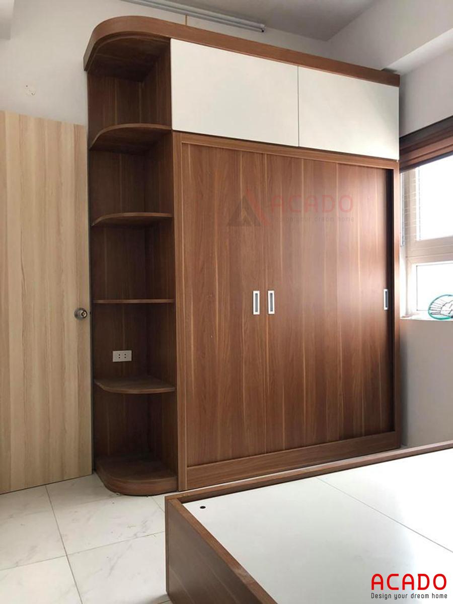 Tủ quần áo Melamine màu vân gỗ tự nhiên.
