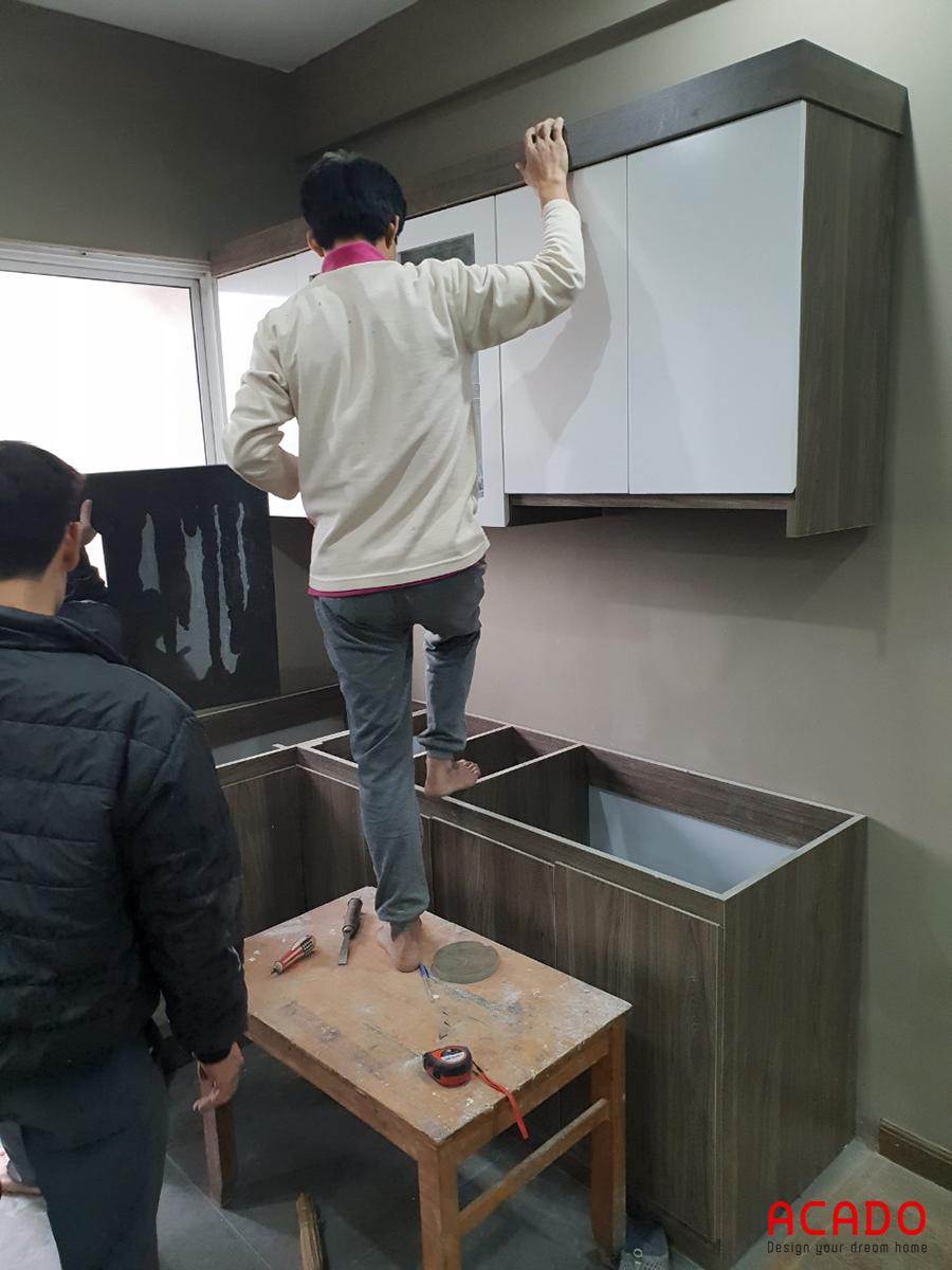 Anh Huy đồng ý với thiết kế đưa ra, ACADO tiến hành thi công lắp đặt tủ bếp.